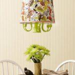 La lumière est prête pour votre lustre DIY charmant