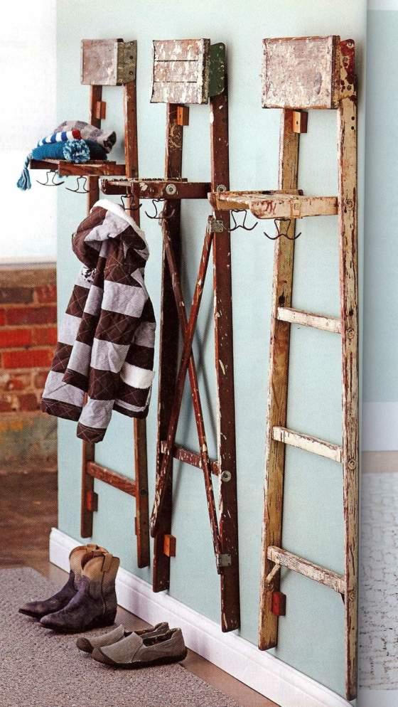 Porte manteau à partir échelles look vieilli déco