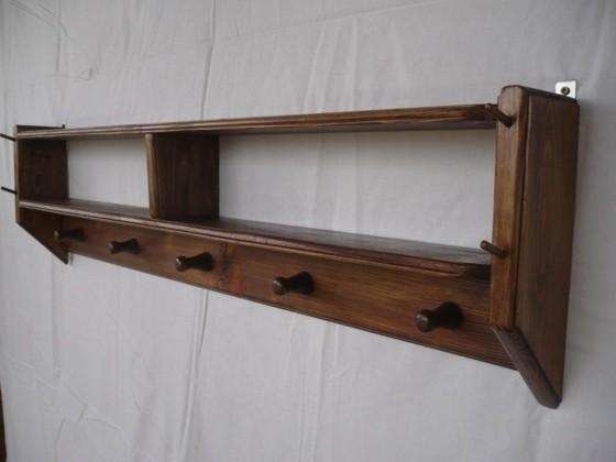 palettes mobilier design idée original porte-manteu bois