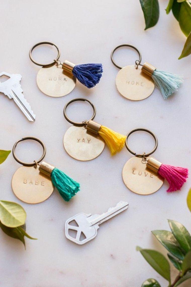 diy porte clé pompoms corde decorations creatives idee simple
