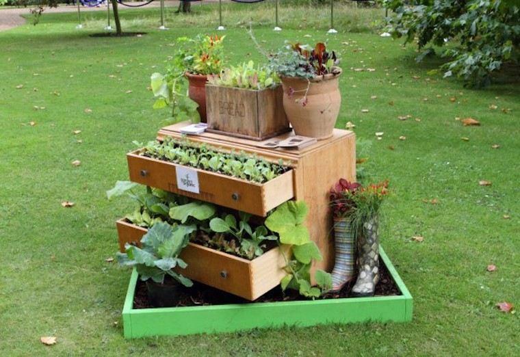 idée récup déco jardin placard bois