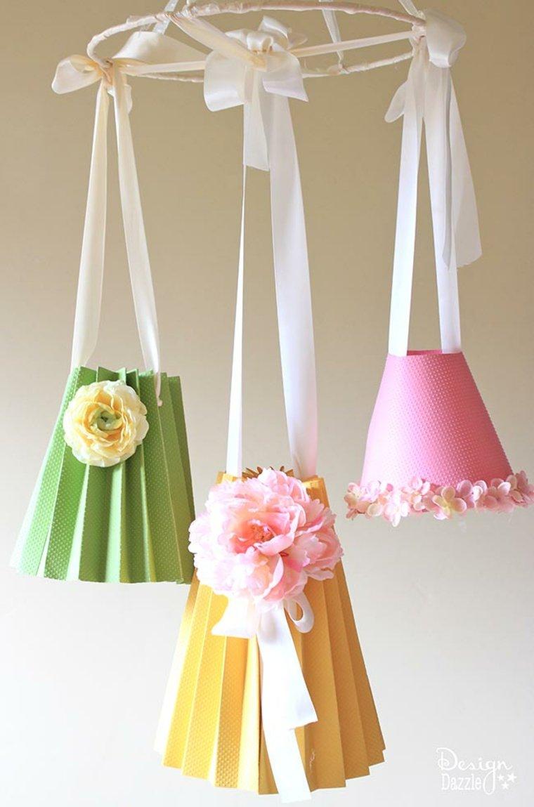 abat-jour carton diy idée suspension fleurs ruban original