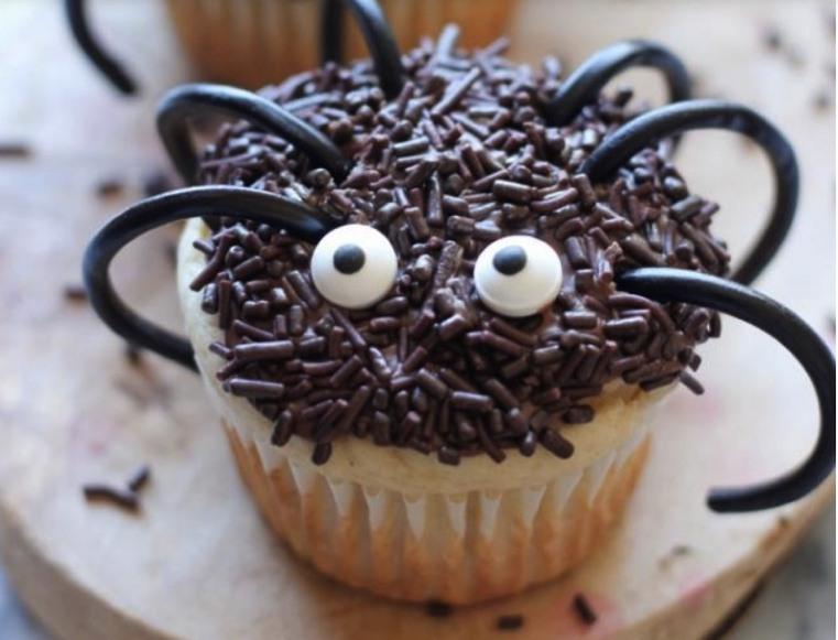 Repas-Halloween-Cupcakes-araignees