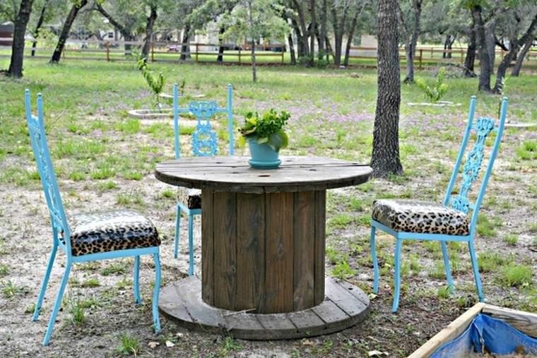 exterieur-jardin-table-basse-bois