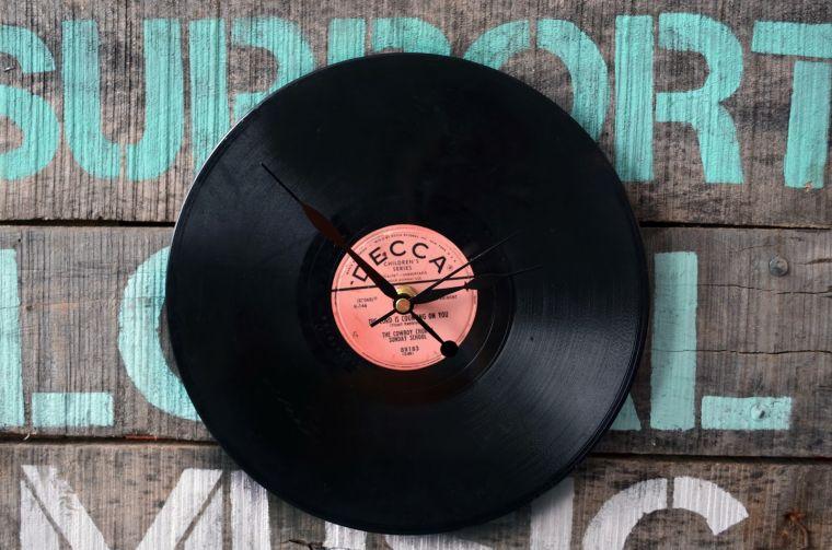 cadeau-noel-homme-pere-horloge-vinyle-diy