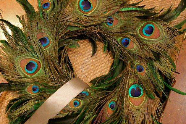 plumes exotiques une déco chique vert et bleu