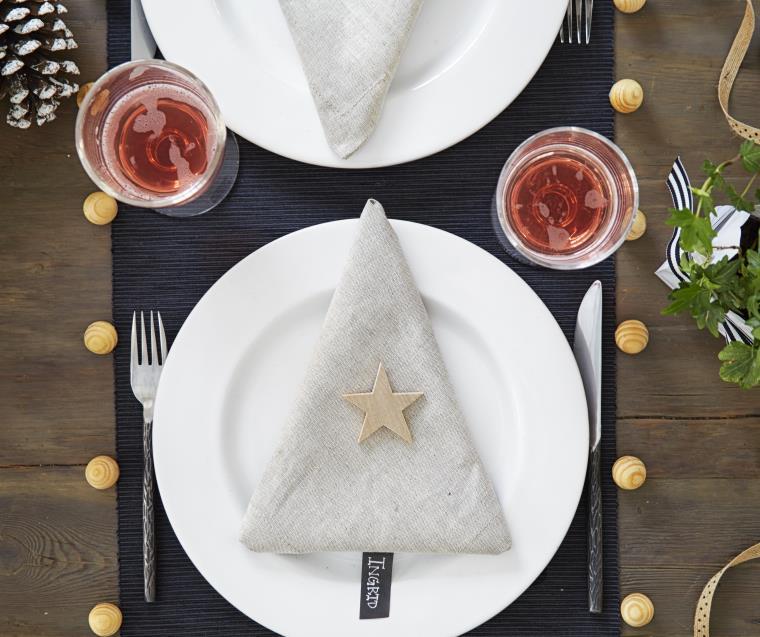 DIY déco Noël serviette-tissu-sapin-deco-table
