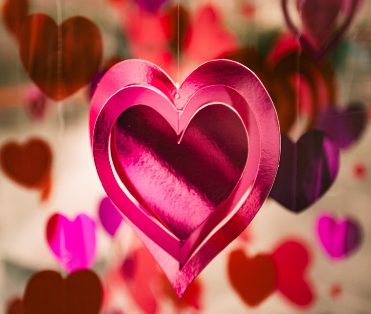 cadeau-st-valentin-fabriquer-clem-onojeghuo-unsplash