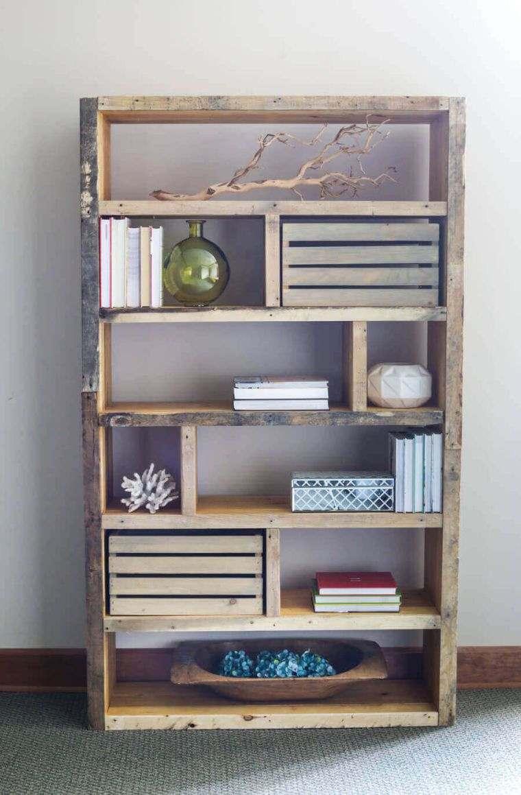 idee pour faire un meuble en palette bibliotheque rangement livres bois