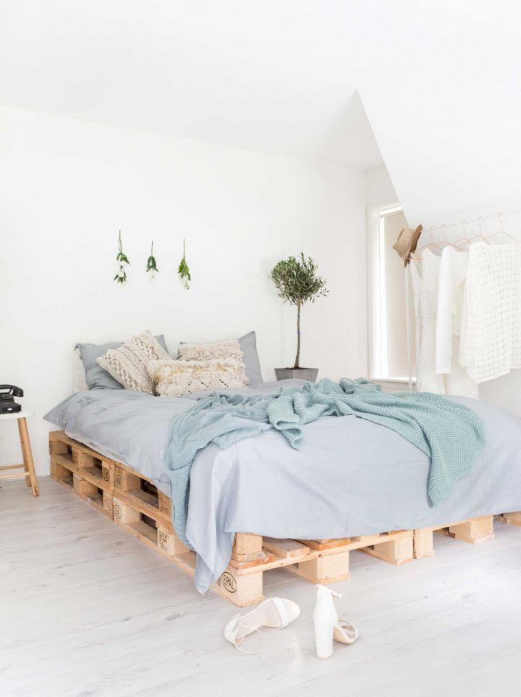 plan meuble palette chambre a coucher adulte lit bois