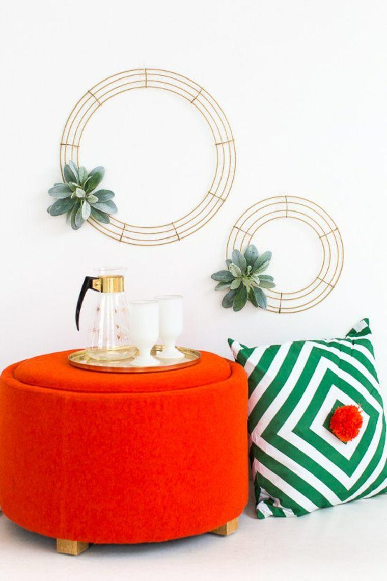 déco mur saint valentin idée cadeau original canapé orange coussin motif géométrique plante grasse