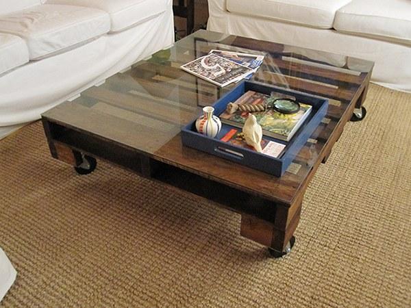 Palette en bois et verre sur mesure pour la table