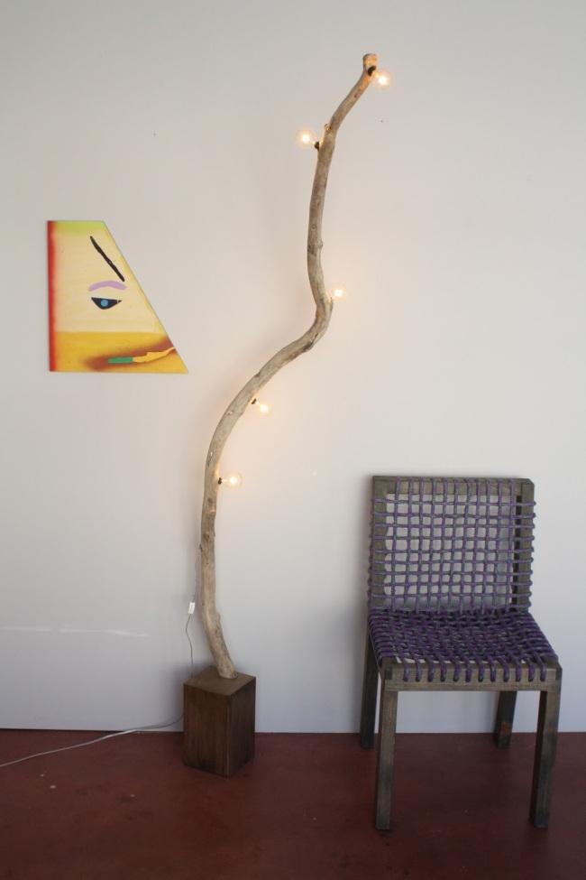 idées-de-déco-lampe-poser-DIY-bois-chaise-beau-luminaire
