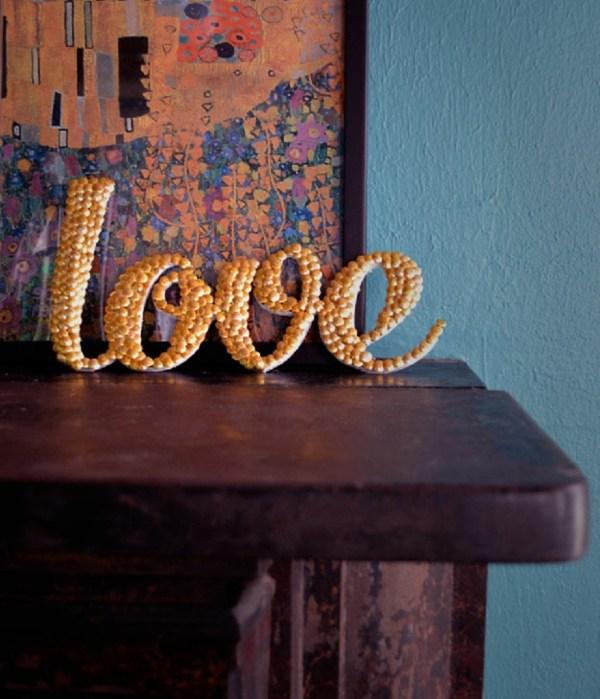objet decoratif lettres ornees de perles