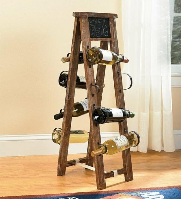 vieille échelle reconvertie casier à bouteilles