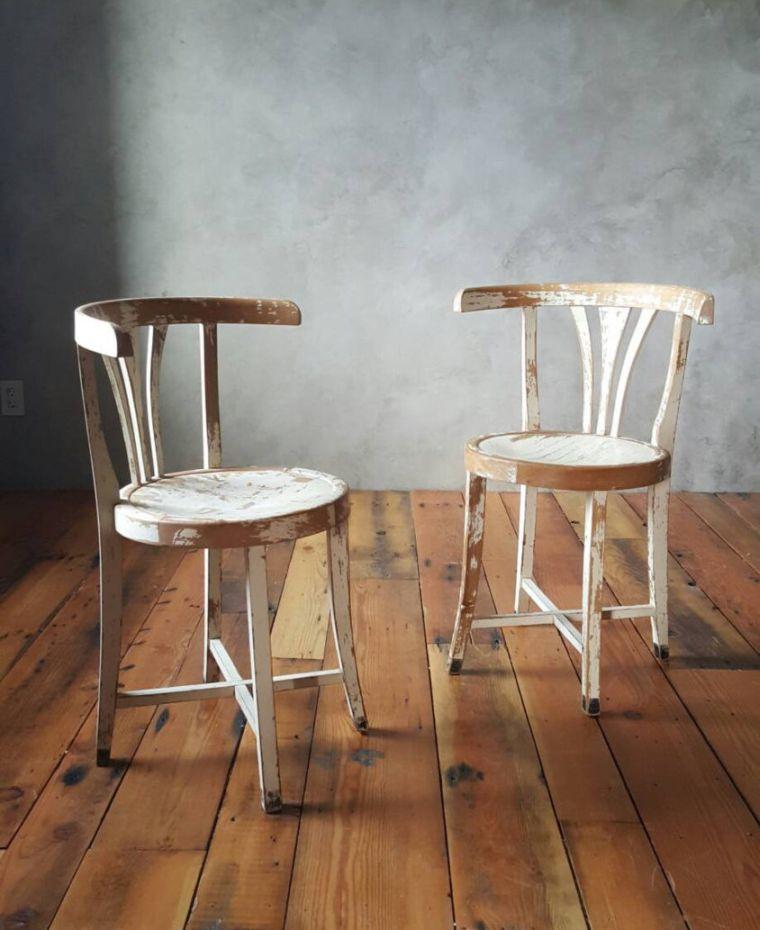 vieillissement-meuble-bois-relooking-peinture-ecaillee