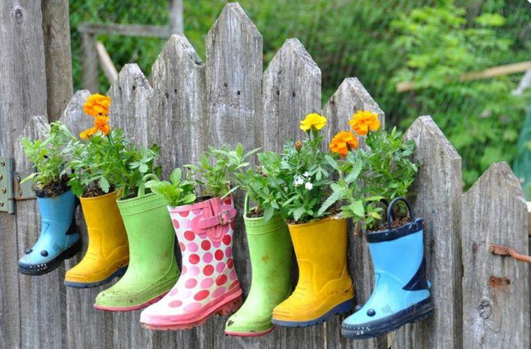 déco jardin récup bottes caoutchouc