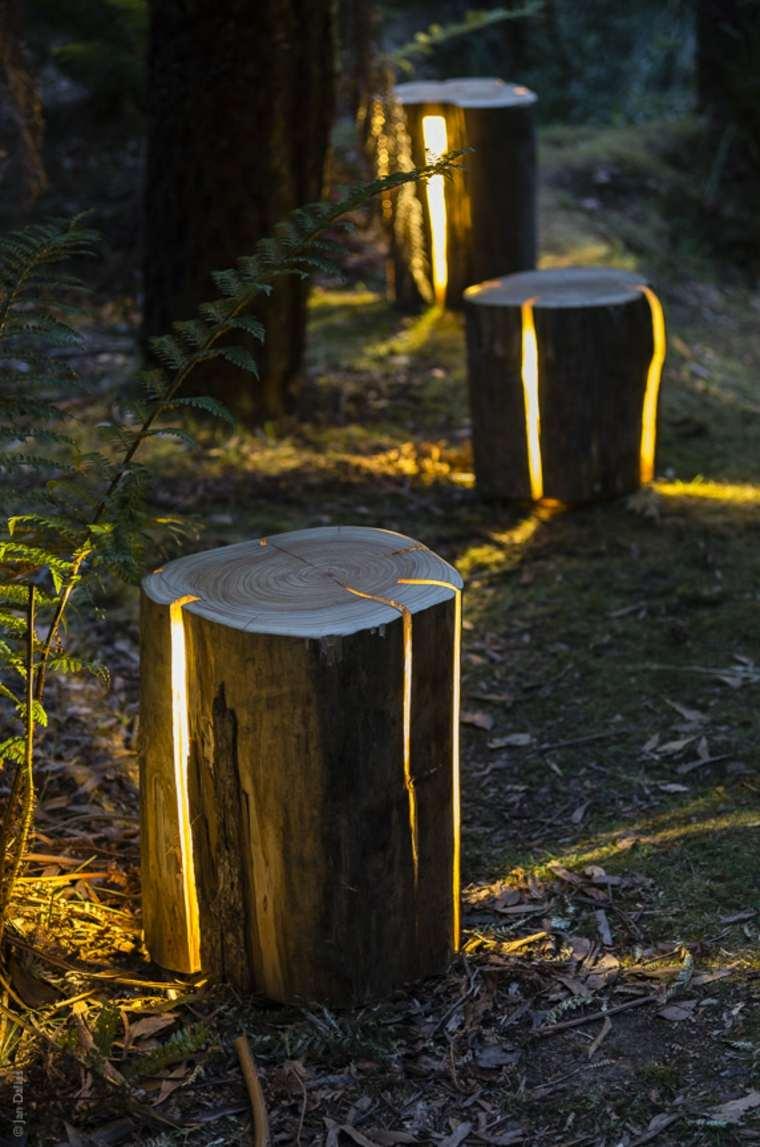 idée déco jardin tronc arbre lampe