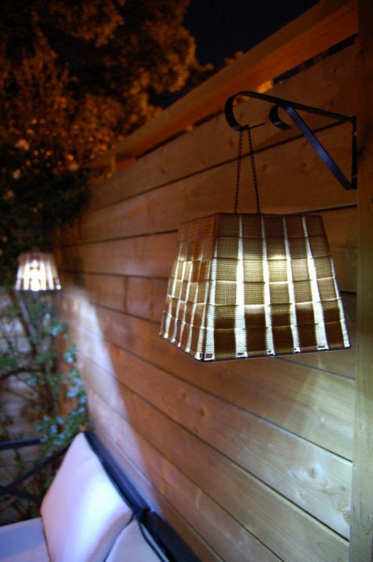 panier tressé lampe de jardin