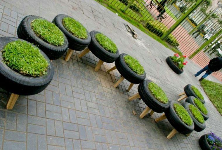 roues recyclées bacs à fleurs