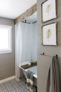 3 Projets de bois rustique faciles (et pratiquement gratuits) pour votre salle de bains