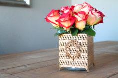 Recyclez une boîte à mouchoirs en vase vintage
