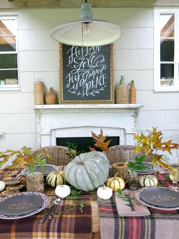 Une table de Thanksgiving confortable