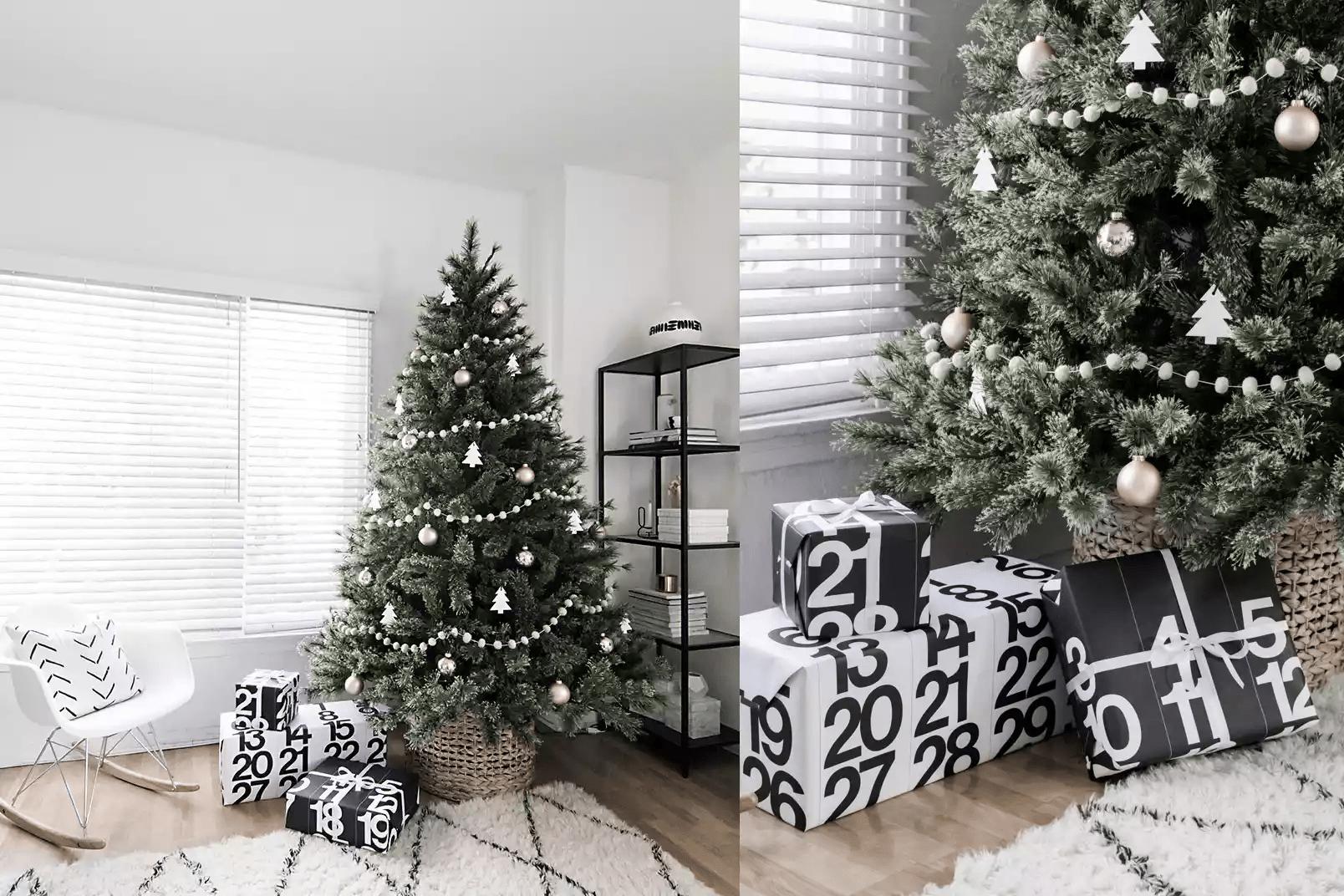 Arbre de Noël avec guirlande d'argent et décorations près d'une fenêtre