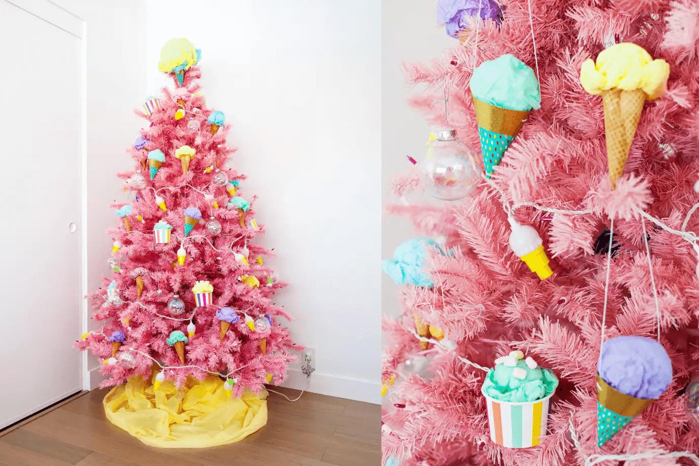 Arbre de Noël rose sur le thème de la glace avec des décorations de glace