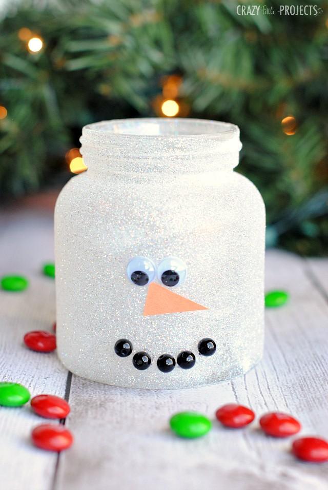 Bricolage de bocal du bonhomme de neige