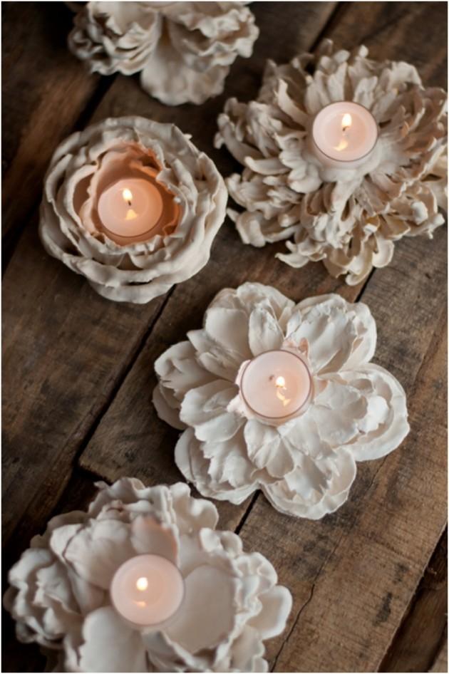 Bougeoir à fleurs en plâtre