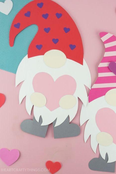 Gnomes en papier de la Saint-Valentin