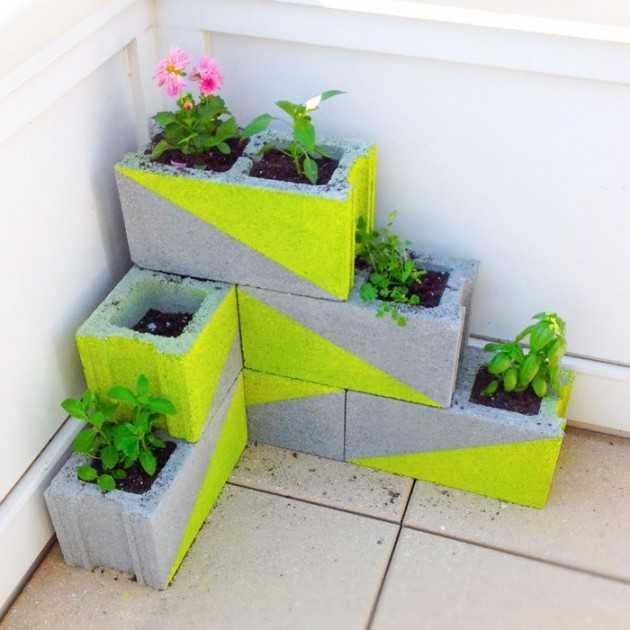 Planteur de blocs de béton au néon