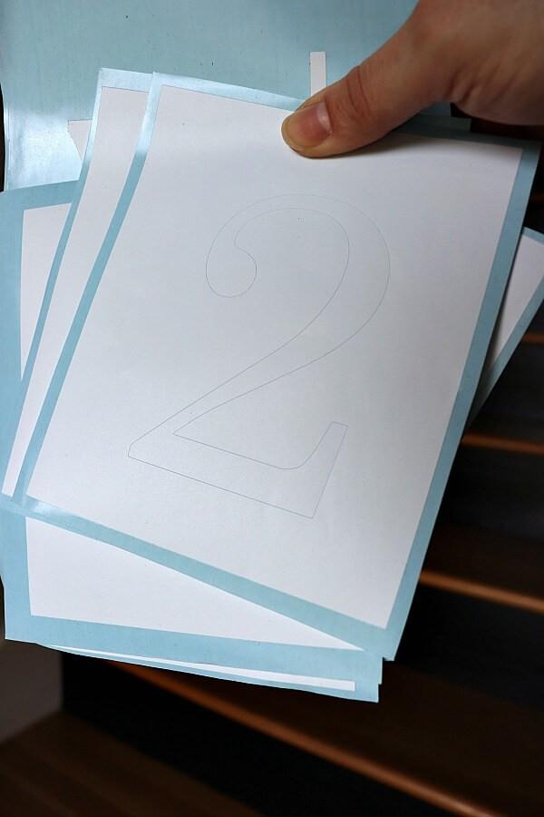 Ajout de numéros en vinyle à votre escalier