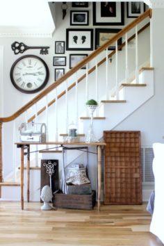 Mettez votre entrée au goût du jour avec cette transformation facile de l'escalier