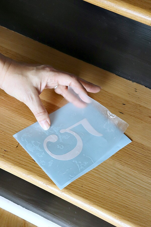 séparer le papier magique de son support