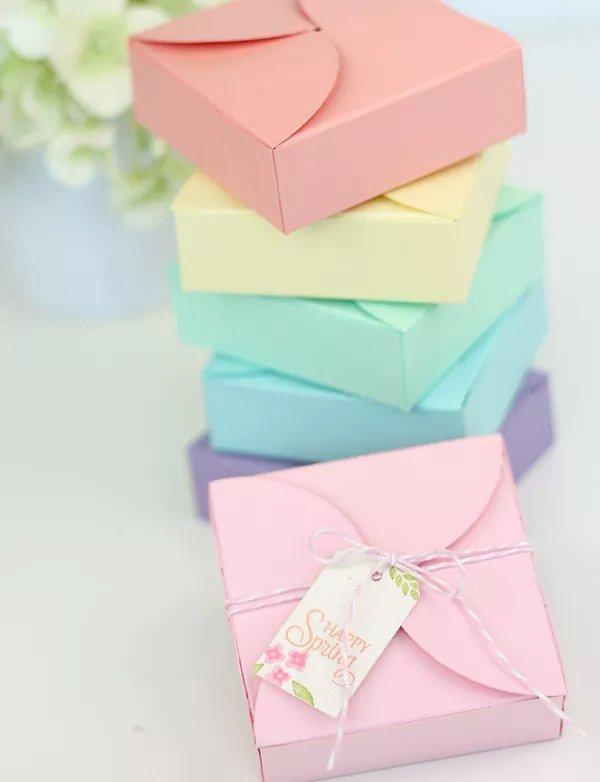 Boîtes cadeaux en pétales