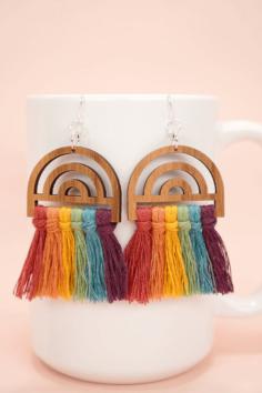Boucles d'oreilles Macramé arc-en-ciel DIY