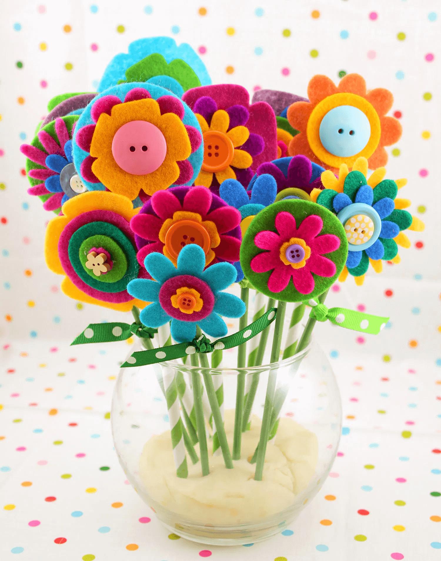 Bouquet de fleurs en feutre faciles et rapides