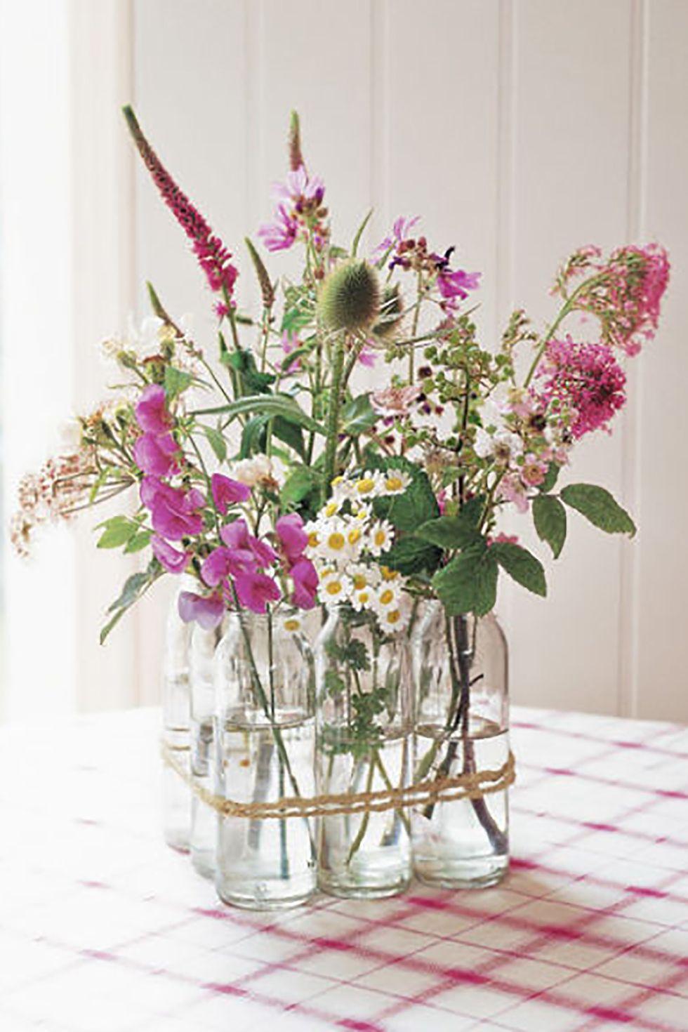 Centre de table en fleurs sauvages