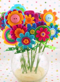 Cadeau de fête des mères DIY rapide et facile : Fleurs en feutre