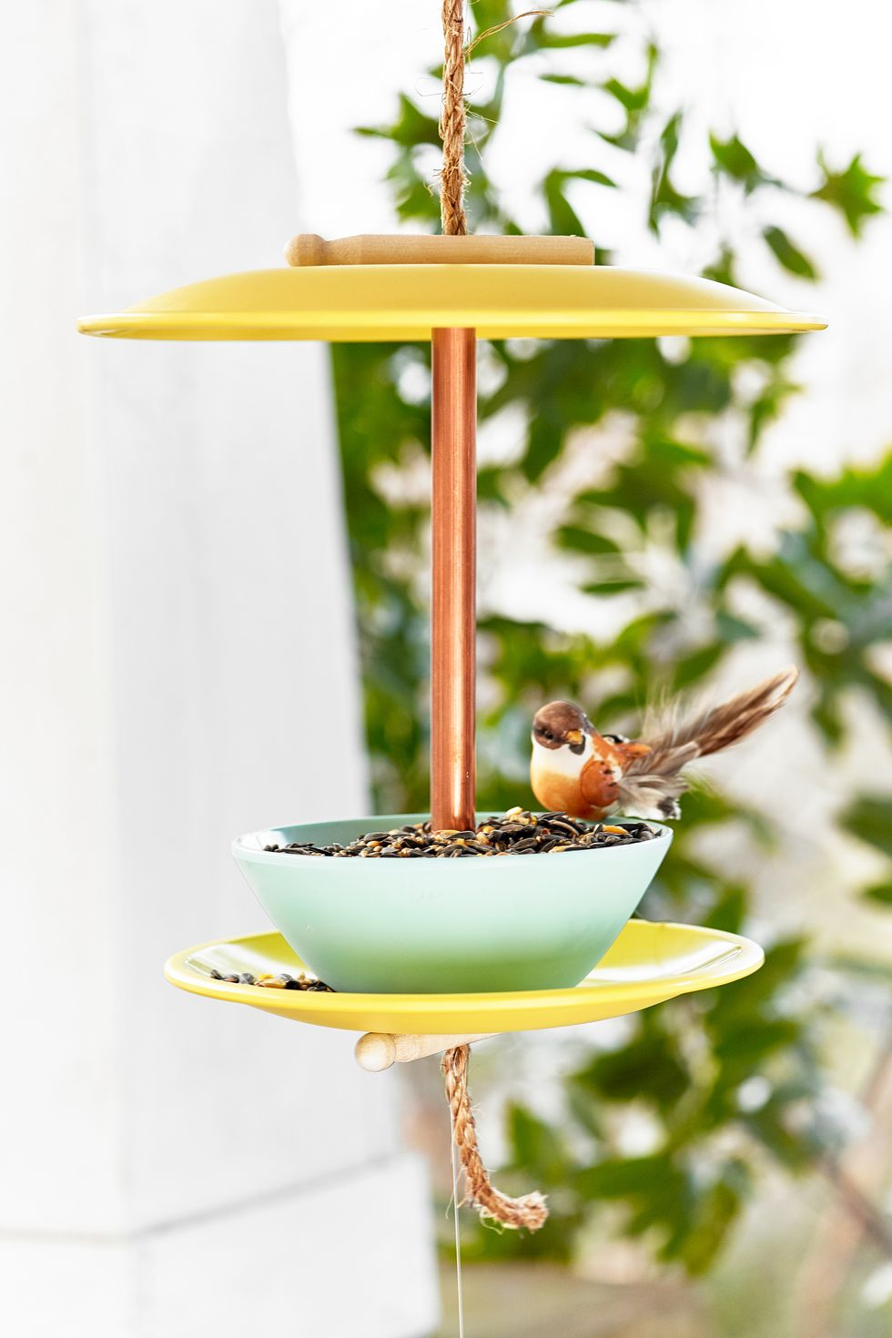Mangeoire à oiseaux pour vaisselle