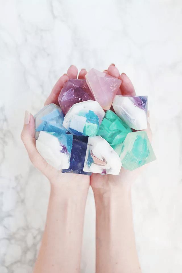 Savon aux pierres précieuses