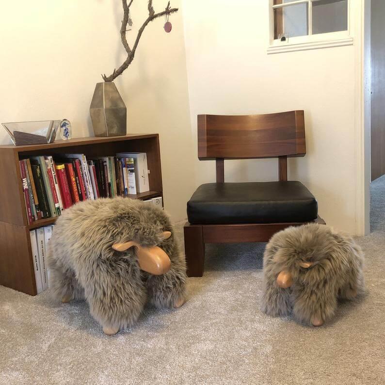 Tabourets pour animaux en peau de mouton véritable