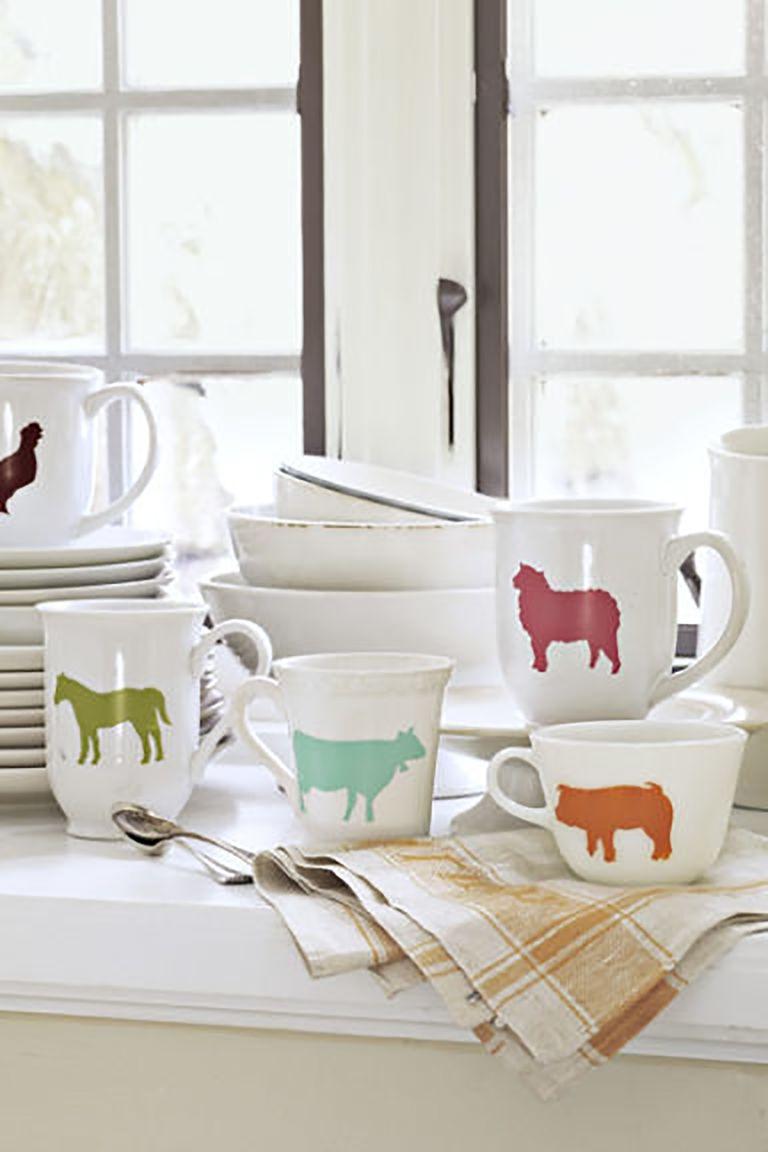 Tasses avec animaux au pochoir
