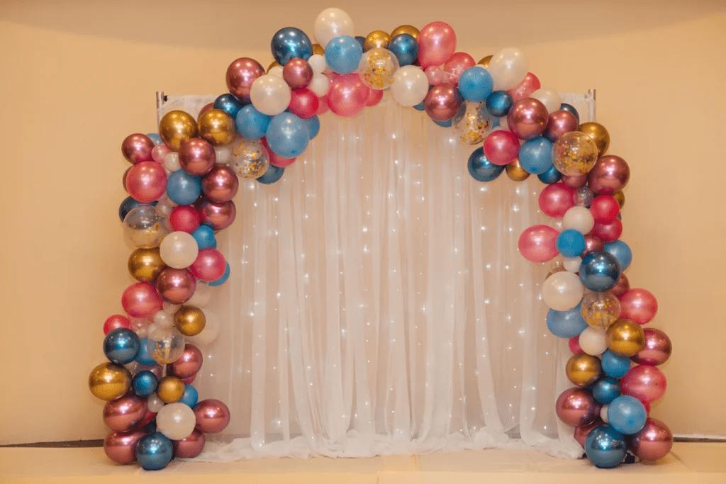 Arche de ballons pour fête de mariage