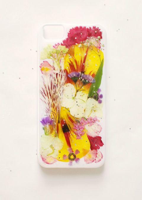 Étui pour iPhone en forme de fleur pressée