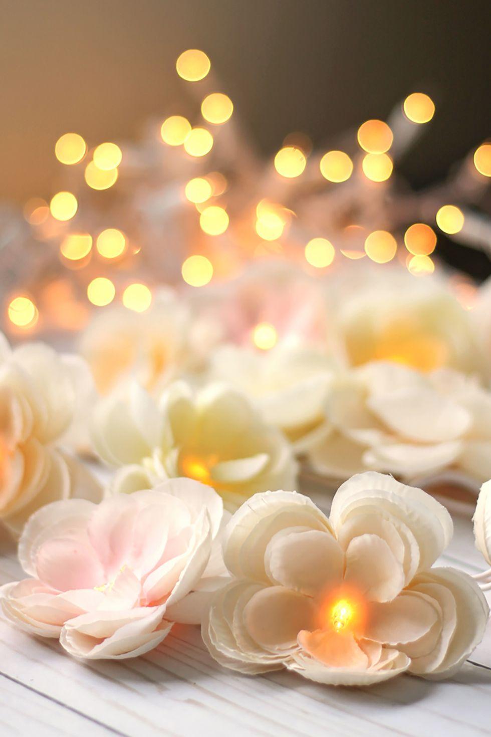 Guirlande florale avec lumières