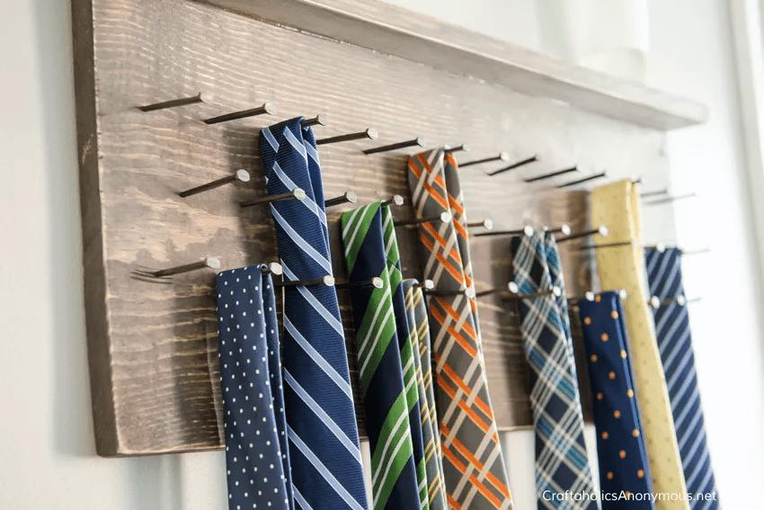 Porte-cravates rustique