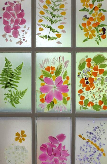 Vitrail à pétales de fleurs